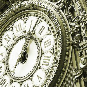 TM2662 paris guilt clock face green