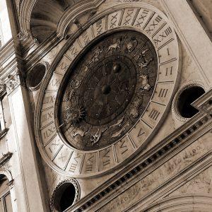 TM2724 venice classic clock
