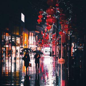 TM2759 liverpool street lanterns red