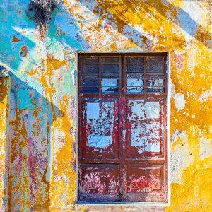 TM2969 shutters yellow wall