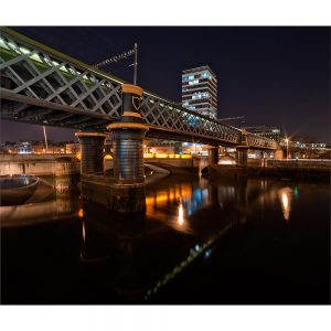 SG3175 dublin city bridge ireland night