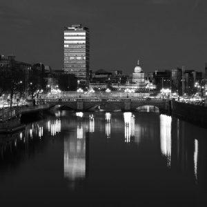 SG3779 dublin ireland city black white